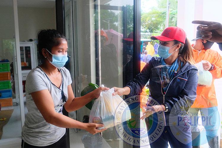 Relief Goods para sa naapektuhang Pamilya sa Brgy. Tukalan