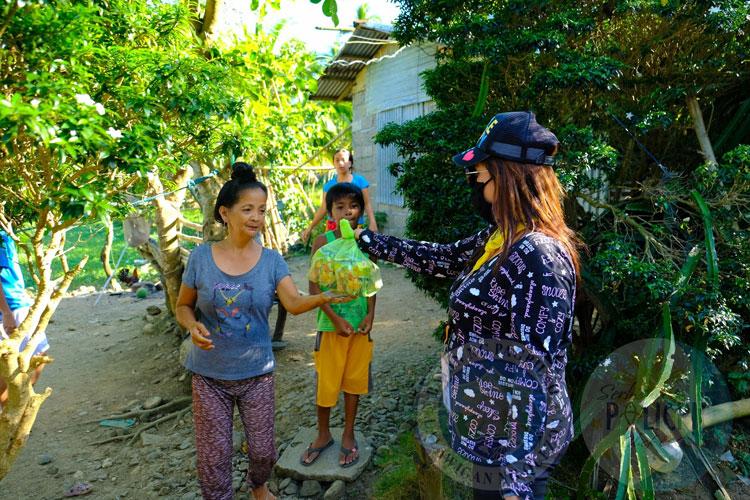 Distribution of Relief Goods in Brgy. Binahaan