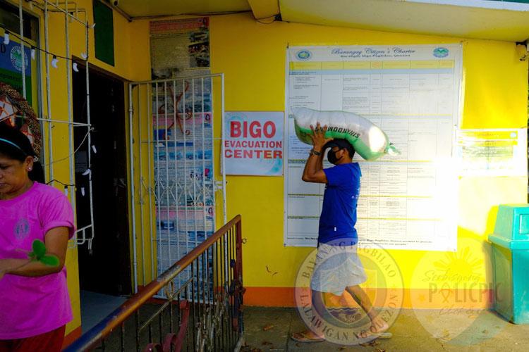 Distribution of Rice - Brgy. Bigo